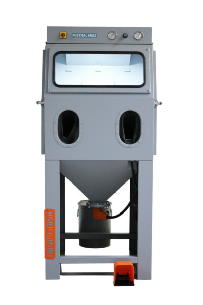 Mistral-series-MI-02-normfinish-injector blast cabinet front