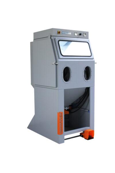 Mistral series MI 02 normfinish injector blast cabinet overview