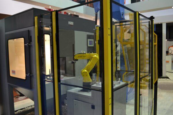 Straalinstallatie met robot - Normfinish straaltechniek